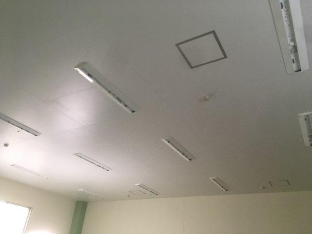カガセイフン改修工事(18日目)石臼フロア照明取り付け