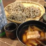 丸岡町産在来種の早刈り新そば粉【金華】で打った鶏出汁せいろ蕎麦は、若狭の地酒早瀬浦との組み合わせ抜群でした。