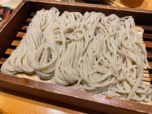 天籠(てんかご:福井市片町)のそば衣の天ぷらと早刈り蕎麦に感動しました。