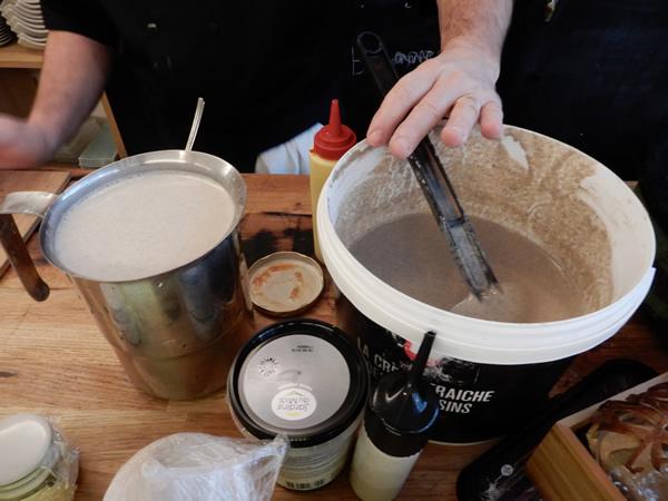 ガレット(Galette)に触れるフランス視察④:ブルターニュ産と福井県産のそば粉を使ったガレットの試食と評価。