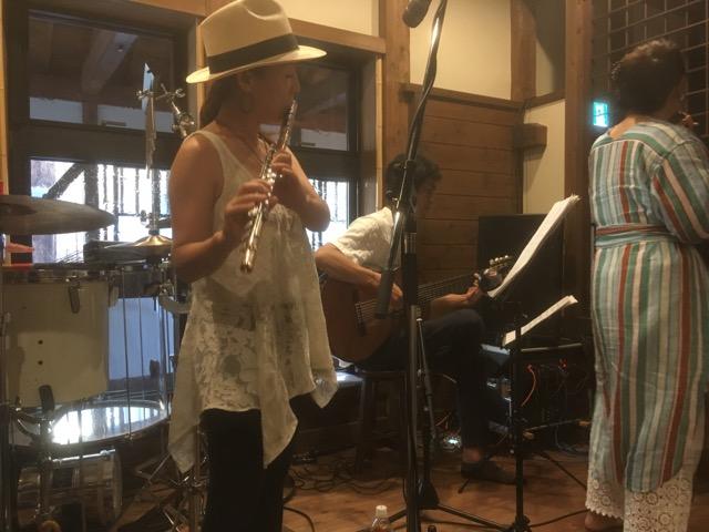 越前市のくらそば幸道(こうどう)で行われたブラジリアンナイトは、音楽をソバで感じる貴重な経験でした。