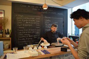 We talk about galette,farine de sarrasin.Creperie du Chateau,02.