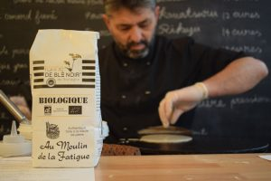 We talk about galette,farine de sarrasin.Creperie du Chateau,22.